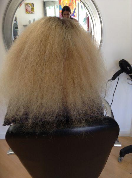 Lissage br silien cheveux tr s sensibilis s salon de - Lissage bresilien salon ...